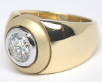 Men's Ring with Round Diamond
